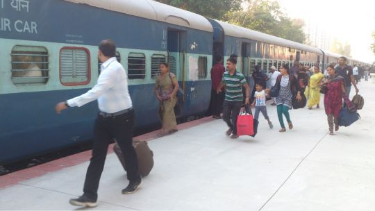Passengers clueless and running towards reserved coaches.